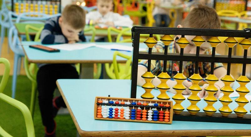 фото занятия по математике лагерь indigo english camp kinder-camp.com.ua